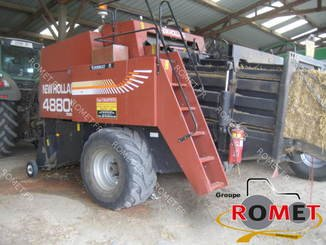 Presse à balles carrées New Holland 4880S - 2