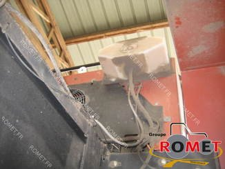 Presse à balles carrées New Holland 4880S - 7