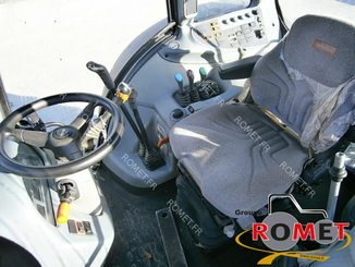 Tracteur agricole Valtra N82 - 2